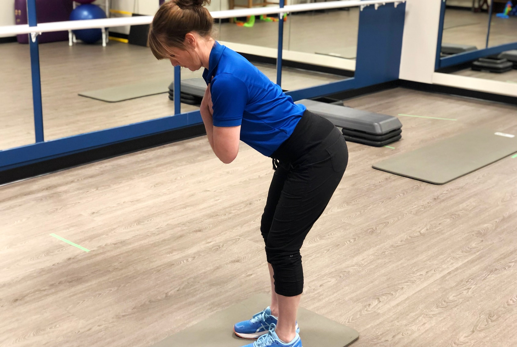 Best posture for lifting to protect lower back